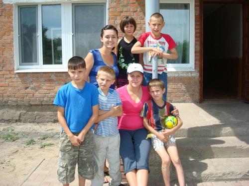Kinder Garden: Foreign Missionary Volunteers